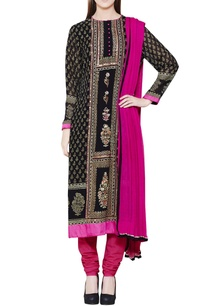 black-kurta-set-with-block-print