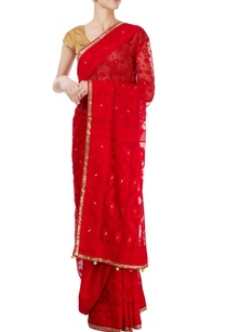 red-sari-with-gold-border