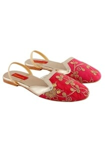 pink-sandals-with-embroidery