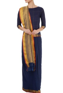 blue-sari-with-gold-pallu-checkered-blouse