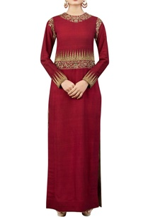 maroon-kurta-set-with-zardozi