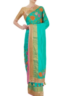 sea-green-sari-with-border-detailing