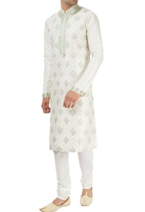 off-white-kurta-with-embroidery