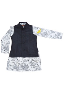 white-printed-kurta-with-jacket