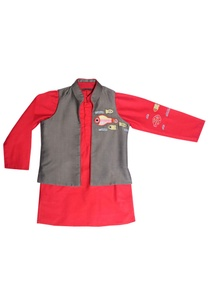 red-kurta-with-grey-jacket
