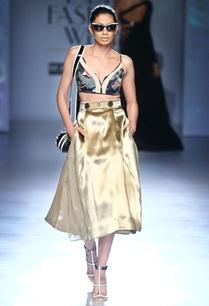 metallic-gold-brocade-skirt