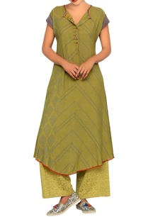 olive-tunic-with-geometric-print