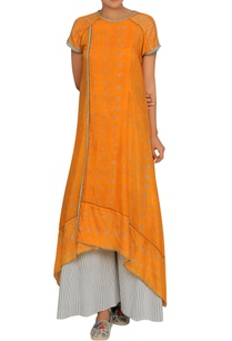 saffron-tunic-with-an-overlap-detail