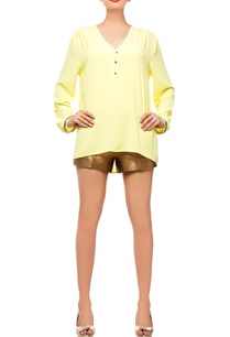 lemon-yellow-top-with-gold-shorts