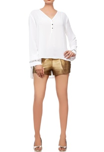 white-top-with-gold-shorts