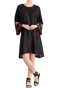 black-short-dress-with-embroidered-sleeves