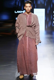 plum-vertical-striped-kurta