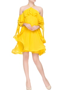 yellow-flared-dress-with-halter-neck