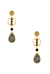 black-earrings-with-circular-piece