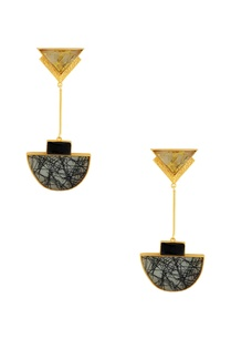 gold-black-highlighted-stone-earrings