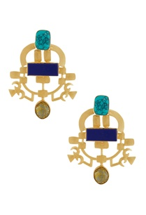 gold-earrings-with-blue-stones