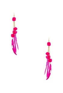 pink-earrings-with-feathers