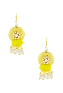 gold-earrings-with-yellow-pom-pom