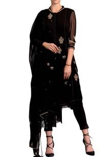 black-kurta-set-with-gold-embroidery