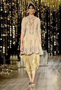 gold-embroidered-kurta-set