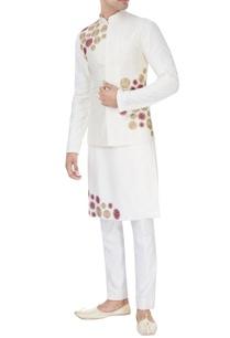 of-white-embroidered-kurta-set-with-bandhi-jacket