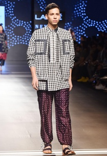 purple-pants-with-bandhani-prints