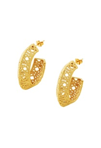 gold-plated-earrings-with-filigree-work