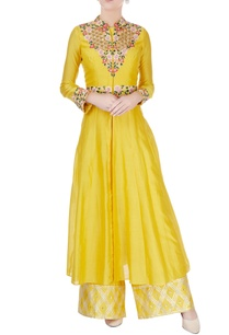 yellow-embroidered-kurta-jacket-pants