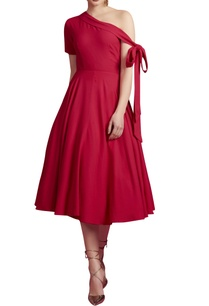 pink-one-shoulder-dress-with-a-tie-up