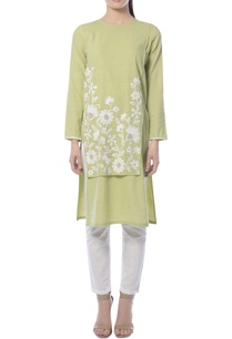 green-kurta-set-with-embroidery