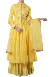 yellow-kurta-lehenga-set-with-embroidery