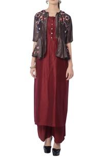 maroon-brown-kurta-set-with-embroidered-jacket
