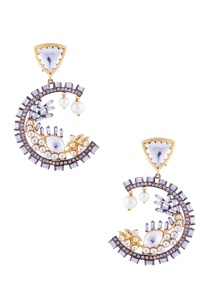 gold-earrings-with-kundan-and-beads
