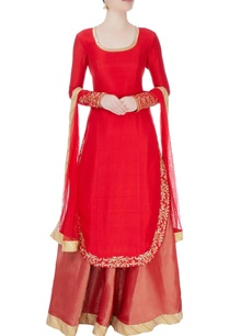 red-kurta-with-lehenga-dupatta