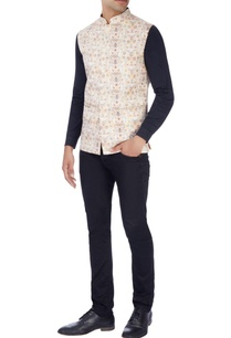 black-nehru-jacket-in-italian-print
