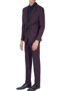 navy-blue-pink-suit-in-check-pattern