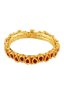 gold-bangle-with-red-stones