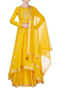 yellow-anarkali-suit-in-ancient-zari-goldwork