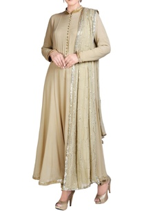 beige-kurta-set-with-embroidery