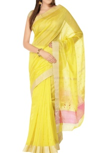 yellow-sari-with-zari-bootis