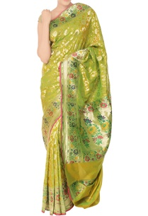 green-sari-with-floral-pattern