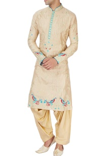 gold-kurta-set-with-chinar-and-peacock-moitifs
