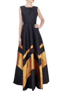 black-gold-gown-with-chevron-details