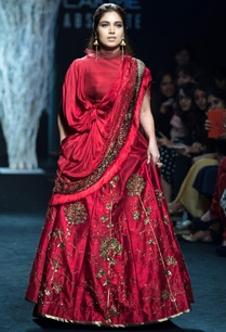 red-embroidered-lehenga
