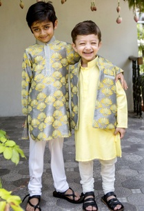 pineapple-printed-kurta-churidar