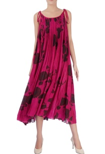 pink-pleated-style-midi-dress