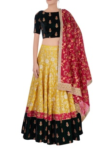yellow-embroidered-lehenga-set