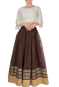 brown-skirt-with-off-white-crop-top