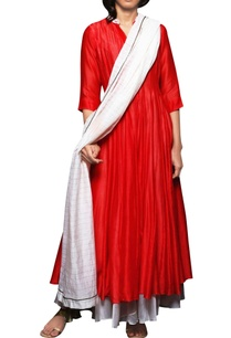 crimson-godet-kurta-with-pants-dupatta