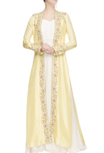yellow-floral-embroidered-jacket-with-white-inner
